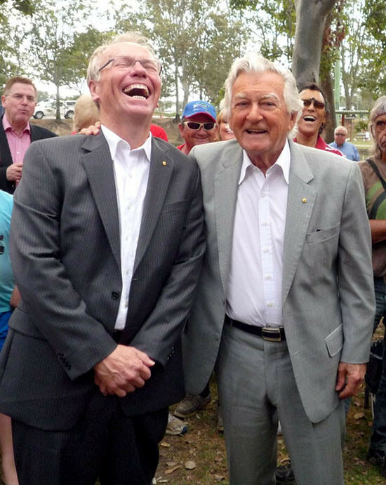 Photo of the campaign: ALP candidate for Forde, former Queensland Premier Peter Beattie, with Labor legend Bob Hawke.